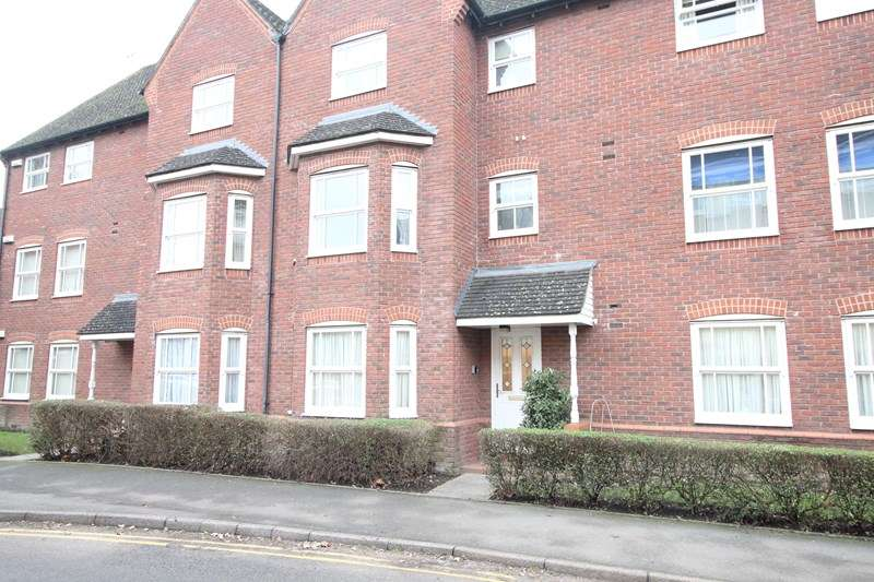 2 Bedrooms Ground Flat for sale in Hensborough, Dickens Heath, Solihull