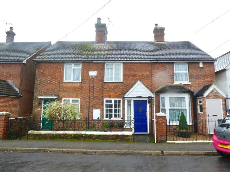 3 Bedrooms Terraced House for rent in The Freehold, East Peckham, Tonbridge, TN12 5AH