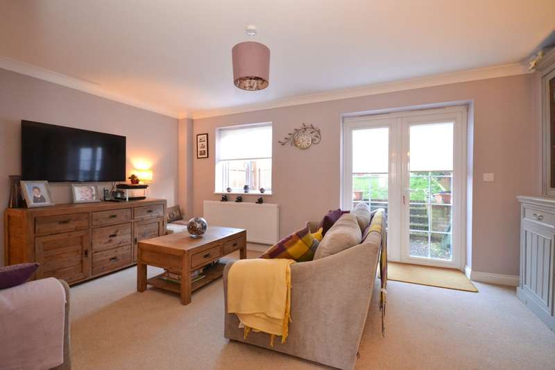 4 Bedrooms Terraced House for sale in Binstead, Isle Of Wight