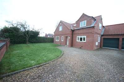 3 Bedrooms Detached House for rent in The Gables