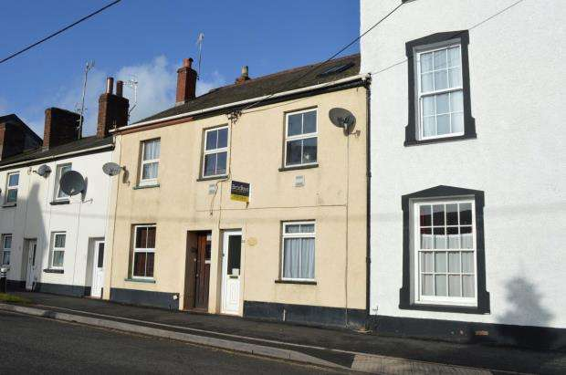3 Bedrooms Terraced House for sale in East Street, Crediton, Devon