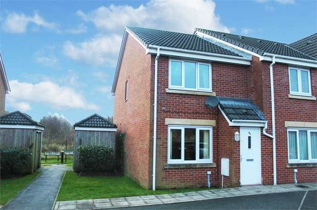2 Bedrooms End Of Terrace House for sale in Jethro Street, Bolton, Lancashire