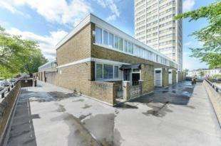 5 Bedrooms End Of Terrace House for sale in Meadow Road, Kennington, London