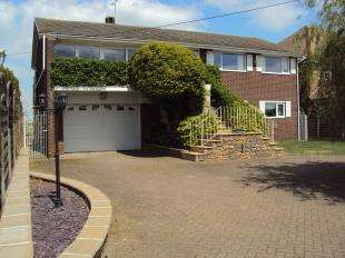 5 Bedrooms Detached House for sale in Christmas Lane, High Halstow, Rochester, Kent