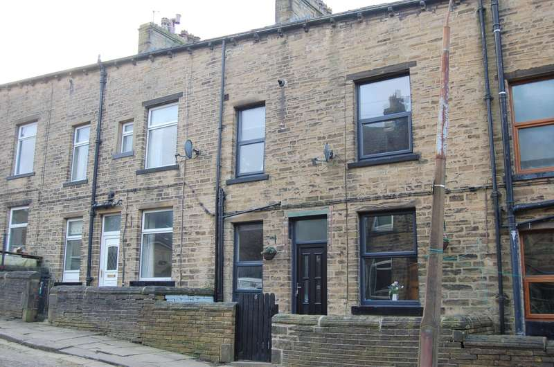 3 Bedrooms Terraced House for sale in Queen Street, Mytholmroyd, Hebden Bridge, HX7