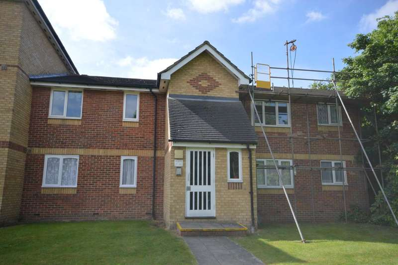 2 Bedrooms Flat for sale in Shortlands Close, Belvedere