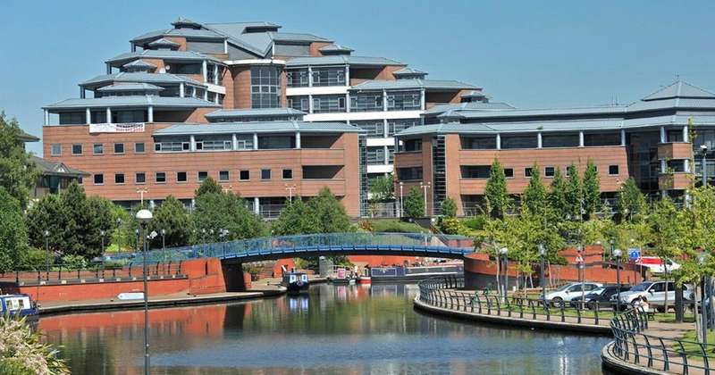 1 Bedroom Apartment Flat for sale in Waterfront West, Brierley Hill, Dudley, DY5 1LY