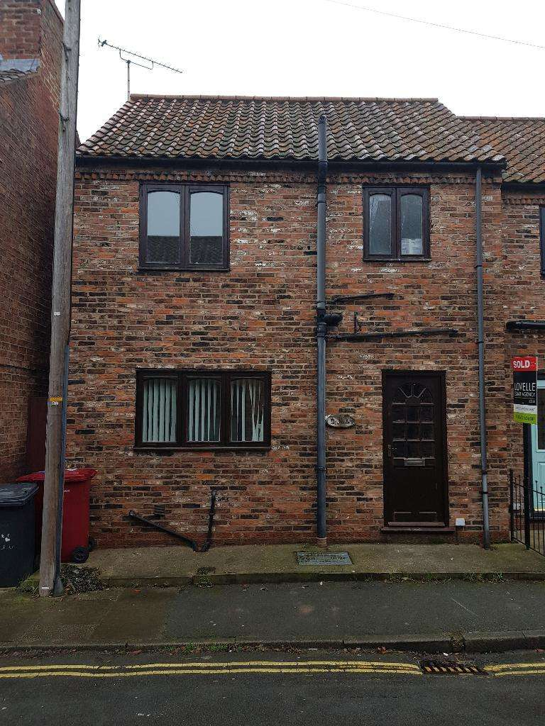 2 Bedrooms Terraced House for rent in Finkle Lane, Barton upon Humber, North Lincolnshire, DN18 5PQ