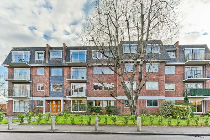 2 Bedrooms Flat for sale in Stretford Court, 110 Worple Road, Wimbledon SW19