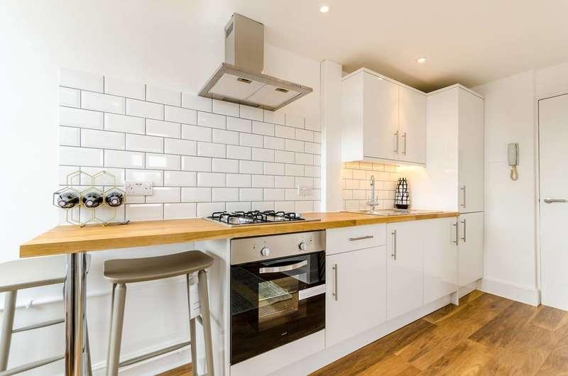 1 Bedroom Flat for sale in Farnley Road, South Norwood, SE25