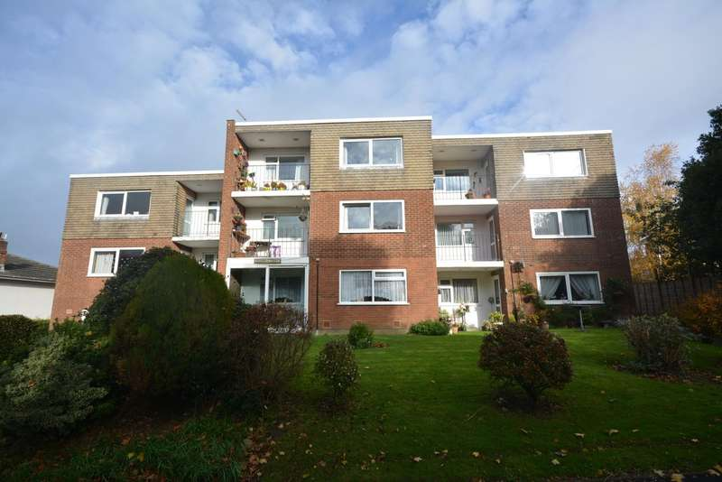 2 Bedrooms Flat for sale in York Avenue, East Cowes