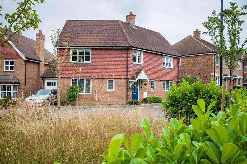 4 Bedrooms Detached House for sale in Flaxen Fields, Five Ash Down, Uckfield