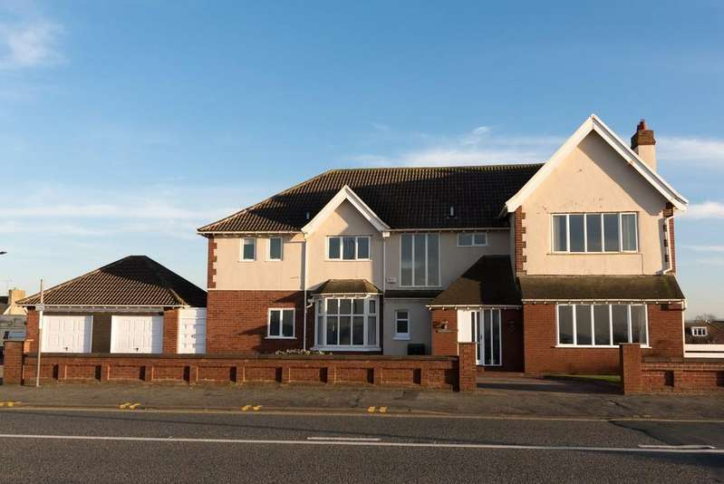 5 Bedrooms Detached House for sale in Marine Drive, Rhyl