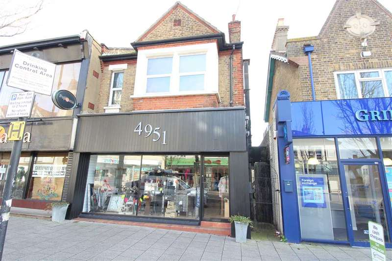 2 Bedrooms Apartment Flat for sale in Hamlet Court Road, Westcliff on Sea