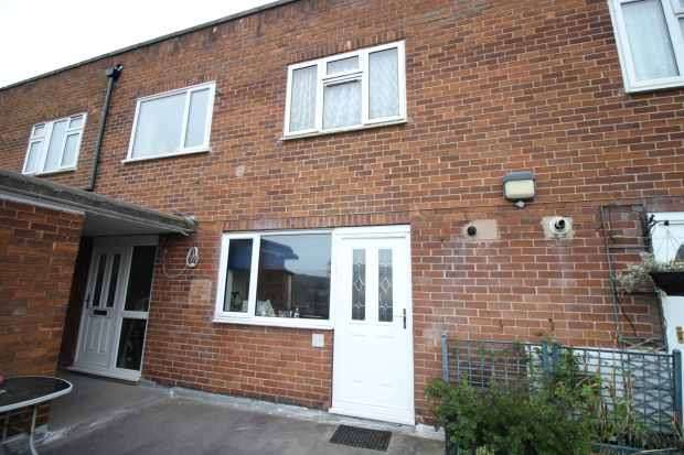 3 Bedrooms Flat for sale in Butcher Hill, Leeds, West Yorkshire, LS16 5DA