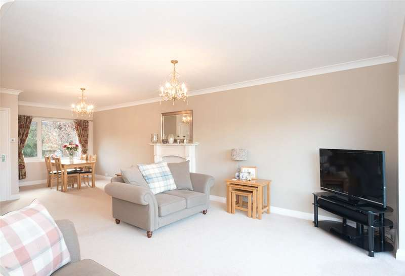 3 Bedrooms Detached House for sale in Meadow Close, Bardsey, Leeds, West Yorkshire, LS17