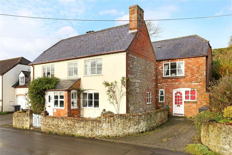 5 Bedrooms Detached House for sale in Easterton, Devizes, Wiltshire, SN10