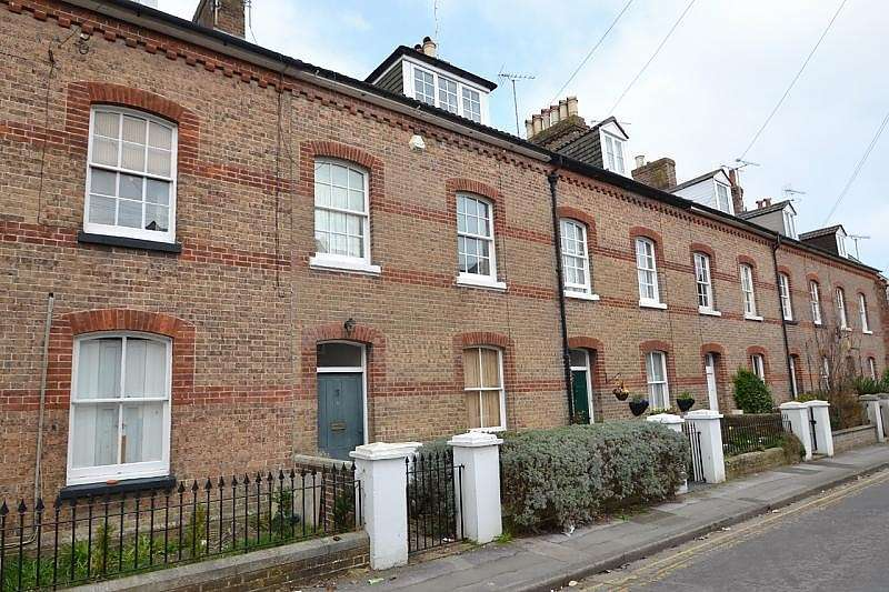 3 Bedrooms Terraced House for rent in Dorchester