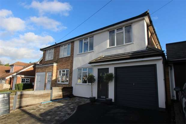 4 Bedrooms Semi Detached House for sale in 17a Bellhouse Road, LEIGH-ON-SEA, Essex