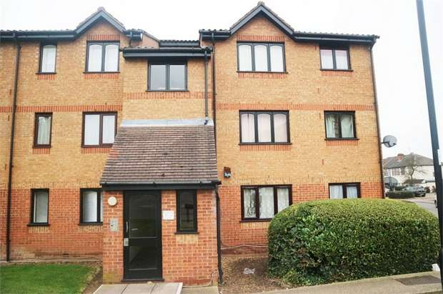 1 Bedroom Flat for sale in Aylands Road, Enfield, Greater London