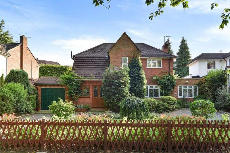 3 Bedrooms Detached House for sale in Sundridge Avenue, Chislehurst