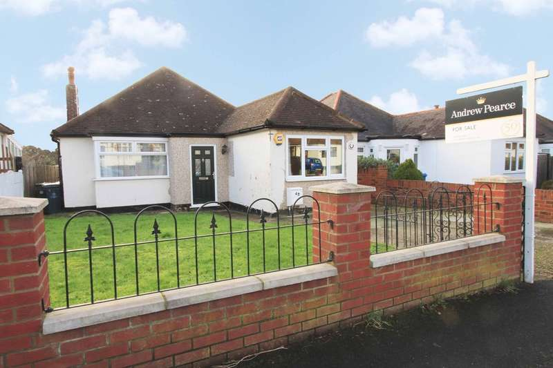3 Bedrooms Detached Bungalow for sale in Downs Avenue, Pinner