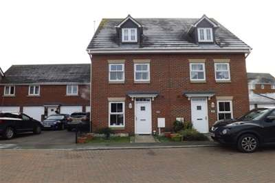 3 Bedrooms House for rent in Lillehammer Drive, Coalville