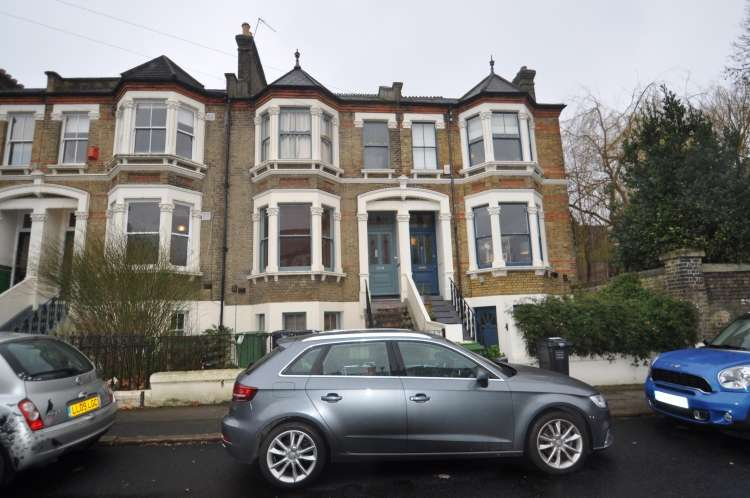 3 Bedrooms Flat for rent in Arbuthnot Road New Cross SE14