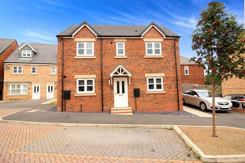 3 Bedrooms Detached House for sale in Wyedale Way, Newcastle Upon Tyne