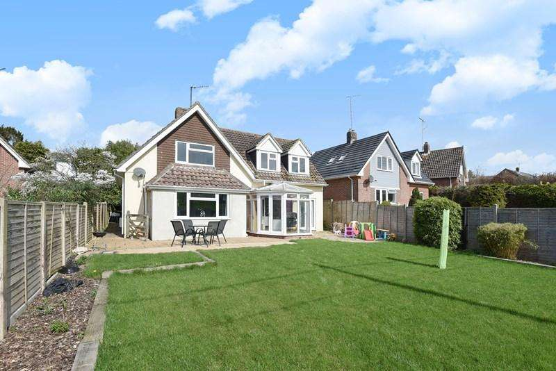 3 Bedrooms Detached House for sale in Portman Road, Pimperne, Blandford Forum