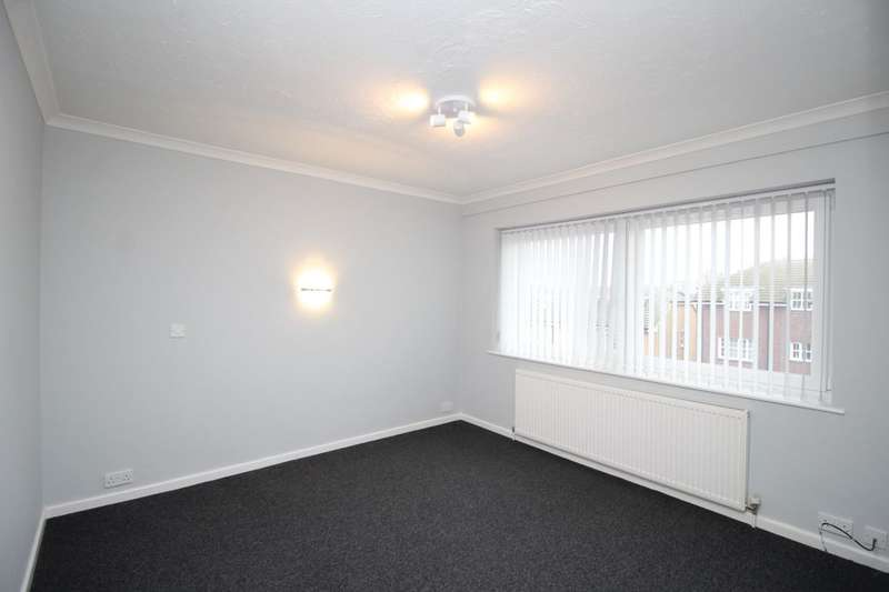3 Bedrooms Flat for rent in Durlston Parade Durlston Drive, Bognor Regis, PO22