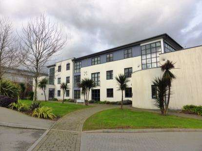 2 Bedrooms Flat for sale in Sandy Hill, St Austell, Cornwall
