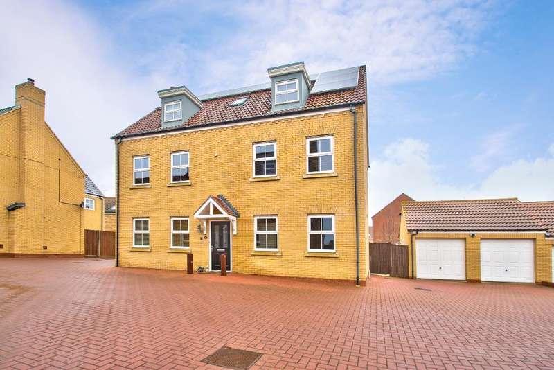 5 Bedrooms Detached House for sale in Langlands Road, Bedford, MK41 0GE