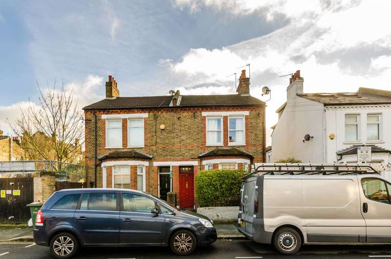 2 Bedrooms Flat for sale in Chale Road, Brixton, SW2