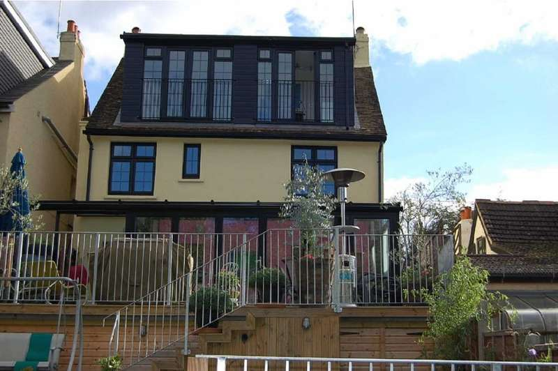 5 Bedrooms Detached House for sale in Hillside Terrace