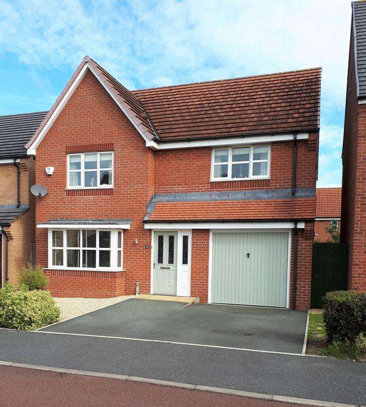 4 Bedrooms Detached House for sale in Wellman Avenue, Wrexham