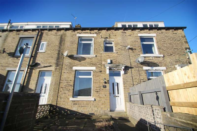 3 Bedrooms Terraced House for sale in Dickens Street, Highroad Well, Halifax