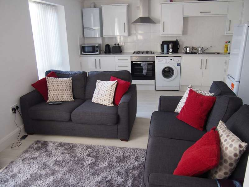 2 Bedrooms Flat for rent in High Wycombe