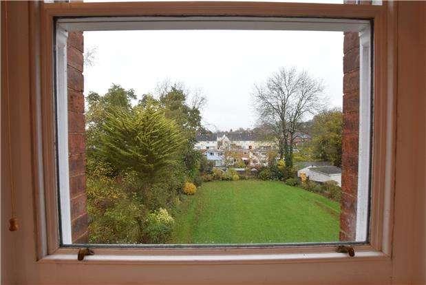 1 Bedroom Flat for sale in London Road, Charlton Kings, CHELTENHAM, Gloucestershire, GL52