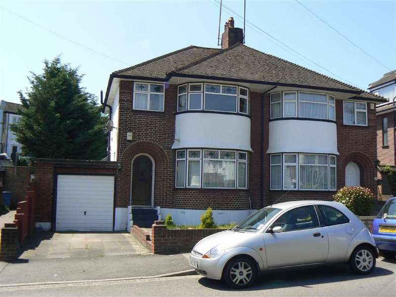 3 Bedrooms Semi Detached House for rent in Oakleigh Gardens, Orpington