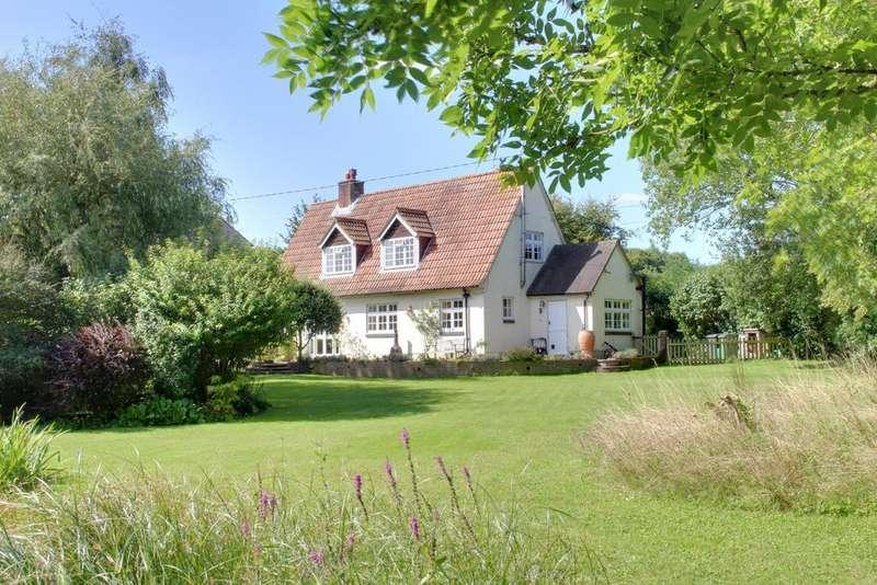 3 Bedrooms Detached House for sale in CHIDDEN, HAMBLEDON