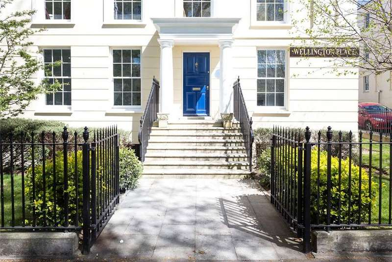 3 Bedrooms Flat for sale in Wellington Place, London Road, Cheltenham, Gloucestershire, GL52