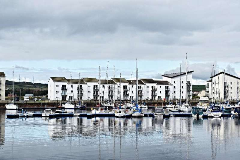2 Bedrooms Flat for sale in Mariners View, Ardrossan, North Ayrshire, KA22 8BF