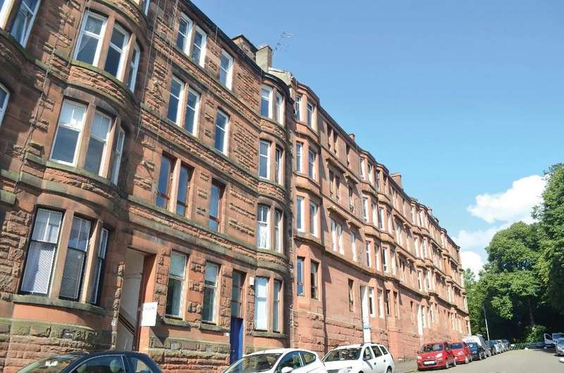 1 Bedroom Flat for sale in Laurel Place, Flat 2/1, Thornwood, Glasgow, G11 7RE
