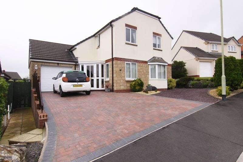 4 Bedrooms Property for sale in Hunters Gate, Okehampton