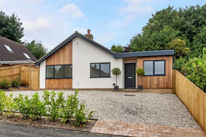 4 Bedrooms Detached Bungalow for sale in Winchester, SO22