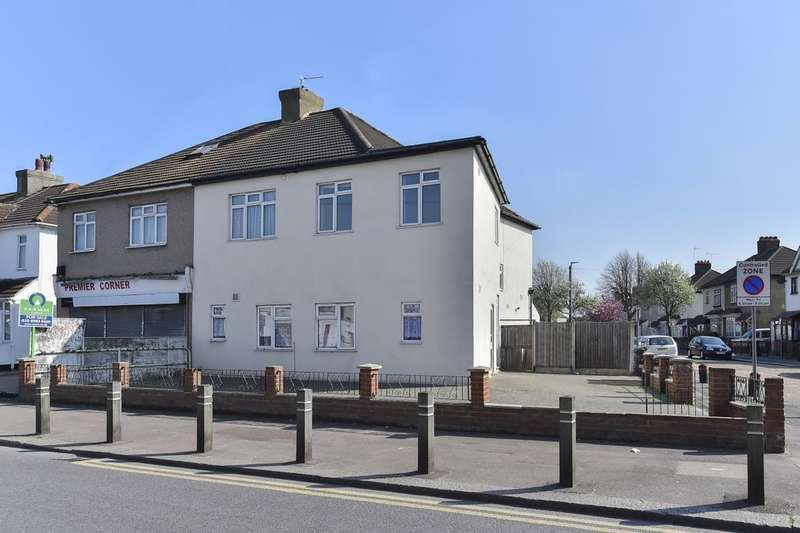 2 Bedrooms Flat for sale in Reede Road, Dagenham, RM10