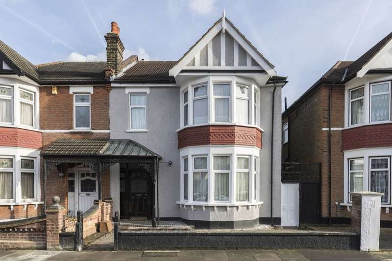 4 Bedrooms Semi Detached House for sale in Woodstock Gardens, Goodmayes, Ilford, IG3