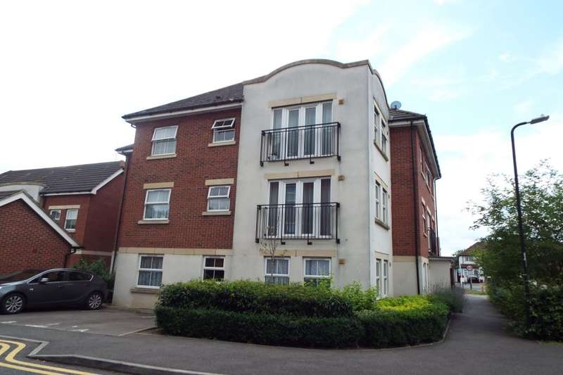 1 Bedroom Flat for sale in Tobermory Close, Langley, Slough, SL3