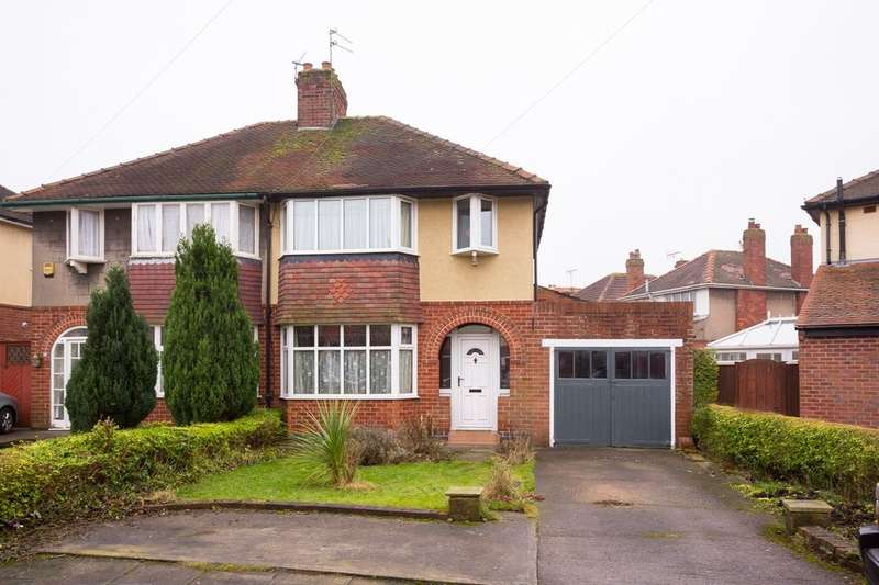 3 Bedrooms Semi Detached House for sale in Heathfield Road, Off Hull Road, York, YO10